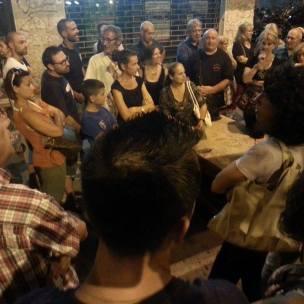Assemblea Piazza della Marranella - si discute