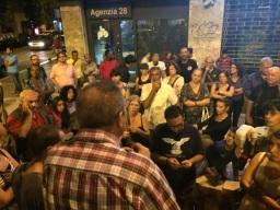 Assemblea Piazza della Marranella - Renato spiega di come sia necessario coinvolgere i cittadinin stranieri residenti