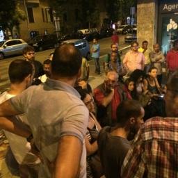 Assemblea Piazza della Marranella - Si discute se iniziare stasera stessa qualche azione eclatante