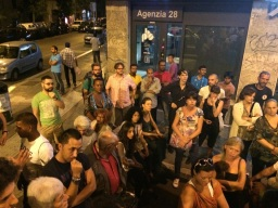 Assemblea Piazza della Marranella - Si discute se invitare o meno le istituzioni alla prima assemblea nella sala consiliare